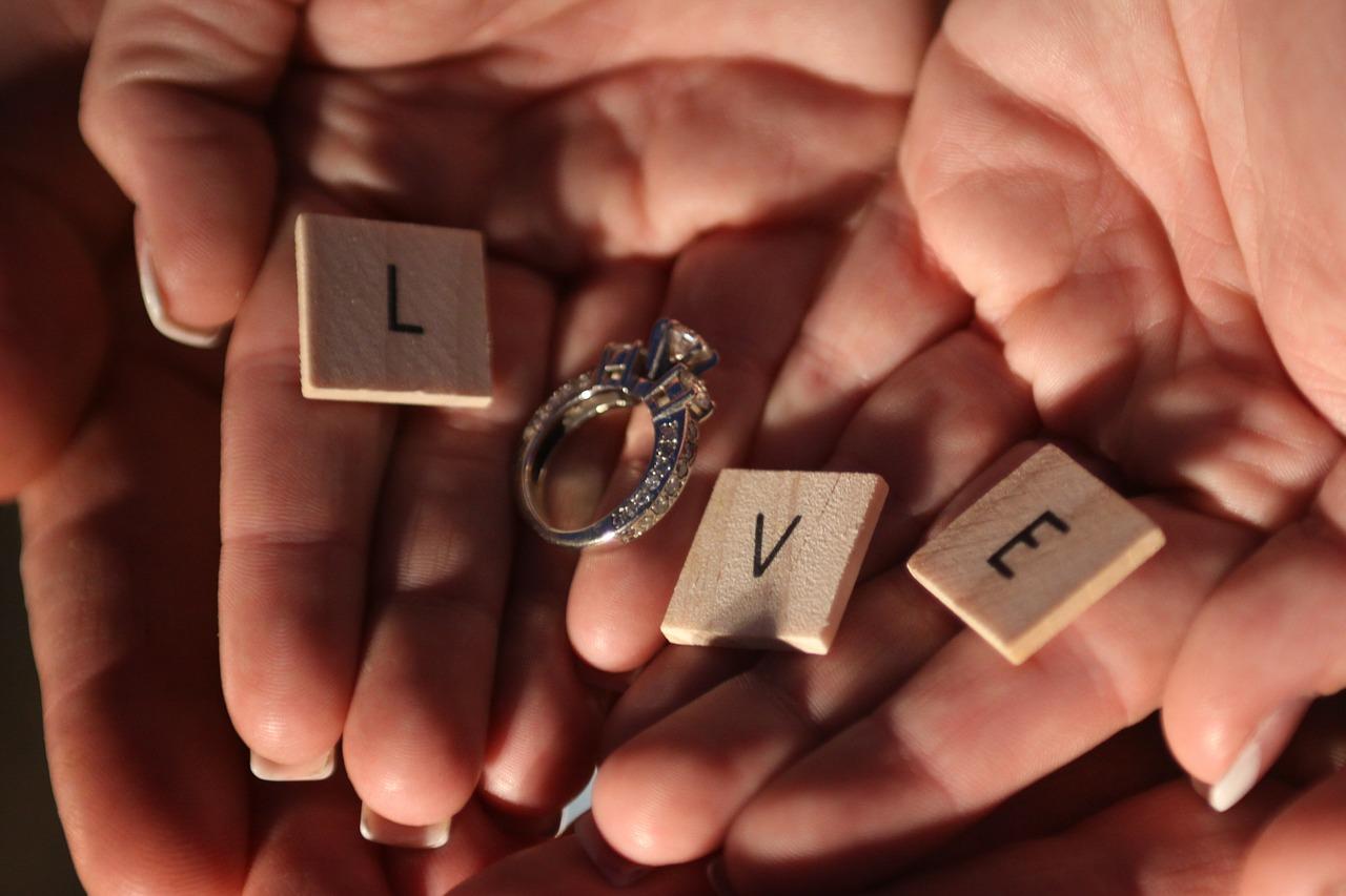 love wedding ring
